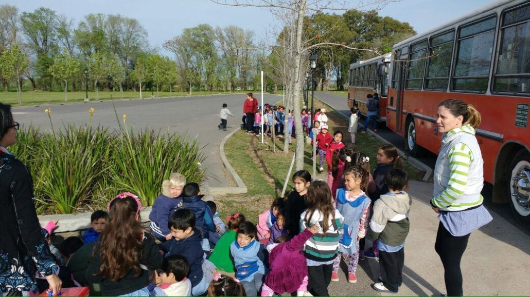 D a de la primavera con el jard n de infantes de zelaya for Inscripciones 2016 jardin de infantes